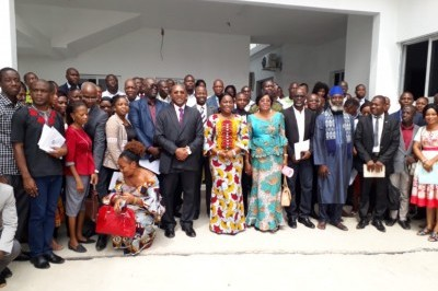 Photo de famille à l'issue du lancement du second cycle de l'Université des droits de l'homme du CNDH